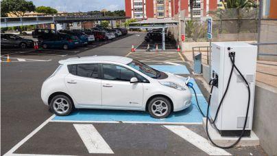 Primer punto de recarga rápida para vehículos eléctricos con energías renovables