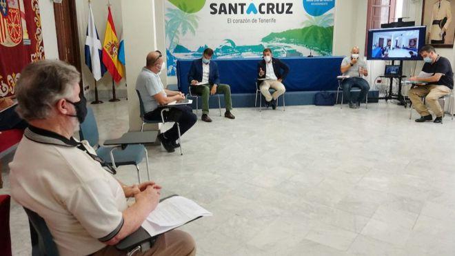 La Mesa del Taxi de Santa Cruz acuerda aumentar la flota activa al 60%