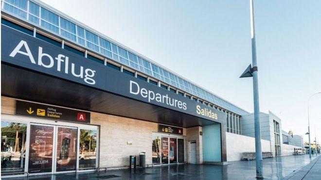 Ashotel insta al Gobierno a invertir en Tenerife Sur tras la renuncia a la ampliación de El Prat