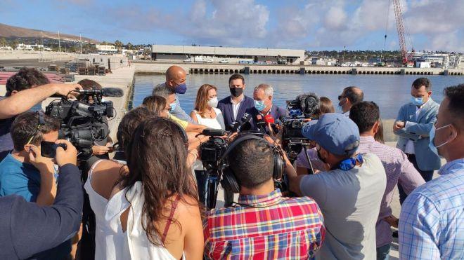 Lanzarote impulsará la conectividad marítima interinsular en el puerto de Playa Blanca