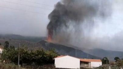 La lava del volcán en La Palma arrasa más de 165 casas, llega a Todoque y se acerca al mar