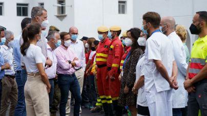 Los Reyes se reúnen en La Palma con evacuados por la erupción de Cumbre Vieja
