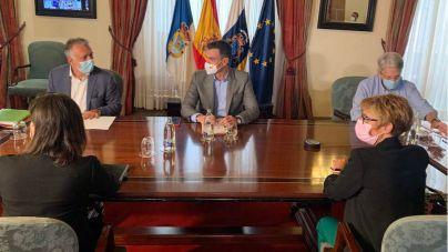 Torres anuncia las primeras ayudas sociales, económicas y vivienda para los afectados por el volcán de La Palma