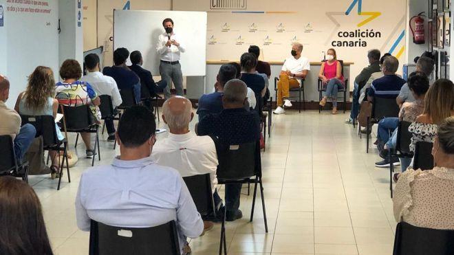 Alcaldes y portavoces de CC en Tenerife apuestan por utilizar fondos europeos para resolver el colapso de Los Cristianos frente a Fonsalía