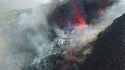 La lava que emite el volcán de La Palma ralentiza su velocidad