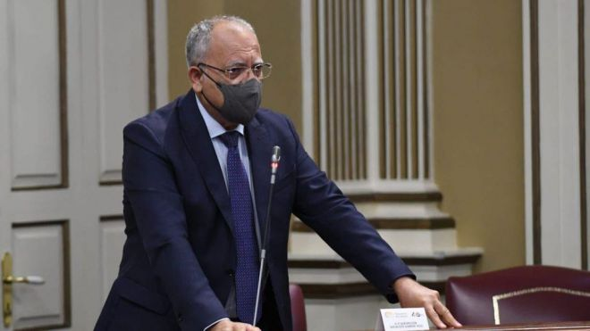 Curbelo pide que los nuevos presupuestos del Estado cumplan con el REF y el Estatuto