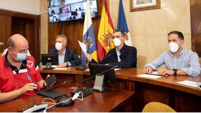 Torres anuncia 44 casas más para los afectados por el volcán y otros 300 millones para paliar los daños