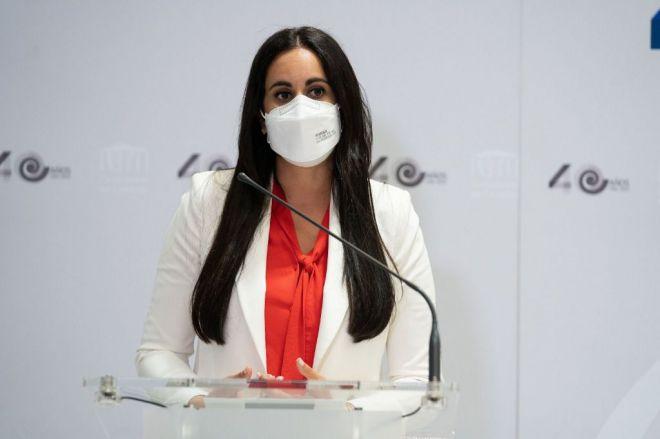 Espino dona 200.000 euros del Grupo Mixto a los damnificados de La Palma