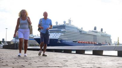 La ciudad recibe a los pasajeros del Celebrity Silhouette en su segunda escala en el Puerto de Las Palmas