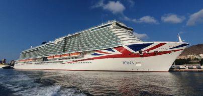 El Puerto de Tenerife recibe al mayor crucero para el mercado británico en su primera visita