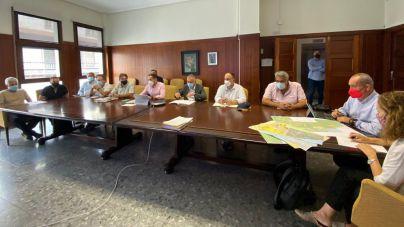 Torres se reúne con Cabildo y ayuntamientos para obtener suelo para viviendas alternativas