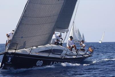 Las embarcaciones Adrian Hoteles, Antigua Craiova y Altamar vencedoras de la IV Regata Puertos Canarios