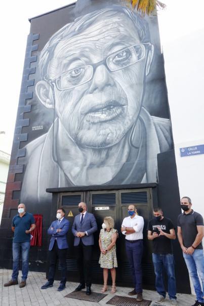 San Andrés reconoce la figura vecinal de Andrés Domínguez Baute con un mural