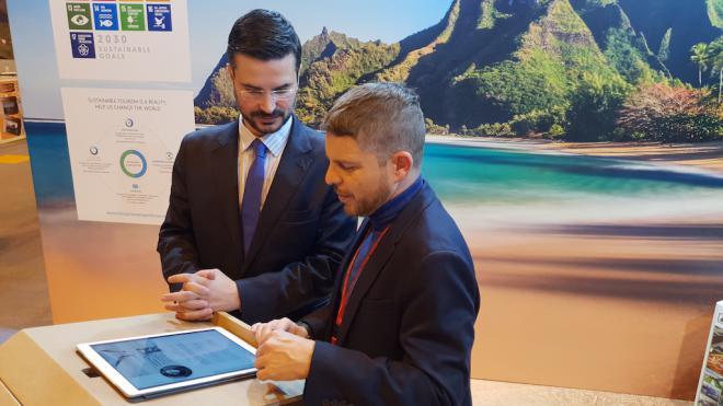 Arona busca remover conciencias con la presentación de una revista digital sobre sostenibilidades en Fitur 2019