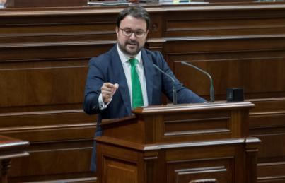 El PP lleva al Parlamento de Canarias la debilidad del nuevo Gobierno de Sánchez