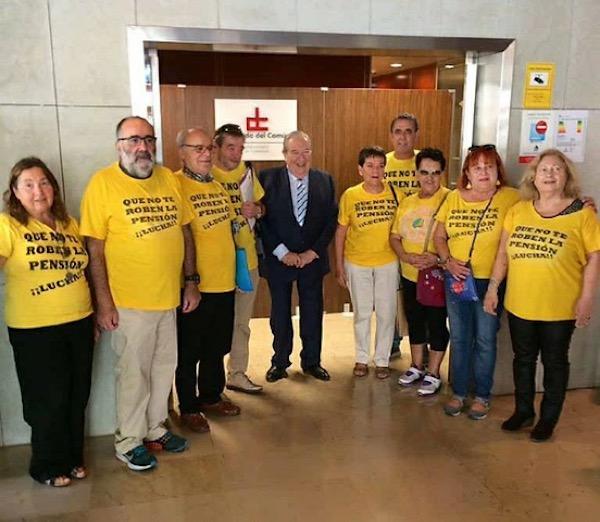 La Asociación por la Defensa de las Pensiones Públicas de Canarias le piden al Diputado del Común mediación