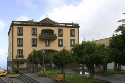 El MITECO no ha comunicado la paralización cautelar de las obras del hotel en la urbanización Costabella