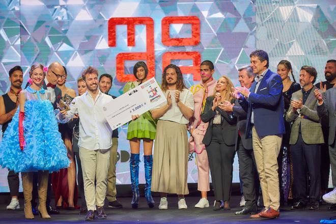 Álvaro Lucas gana el XI Concurso Internacional de Jóvenes Diseñadores de Tenerife con su colección 'Lissomwo'