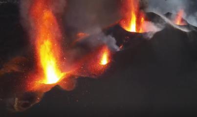 La apertura de nuevos centros de emisión alimentan de lava las coladas ya existentes