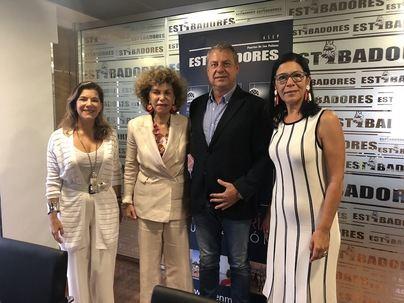 Charter 100 Gran Canaria y la asociación de estibadores firman el acuerdo para integrar a la mujer en la estiba