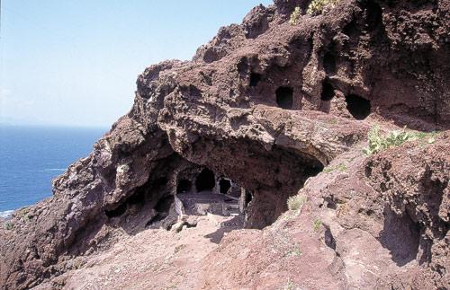Bien de Interés Cultural como Zona Arqueológica a el Lomo de los Canarios