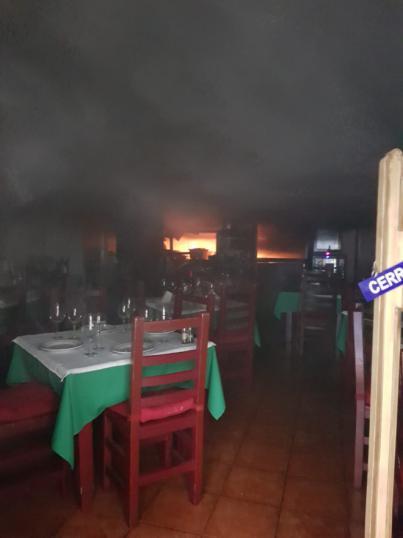 Afectadas dos mujeres por el incendio en un restaurante de Santa Cruz de Tenerife