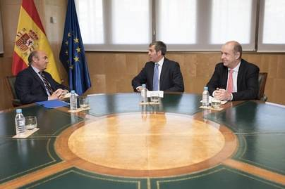Fernando Clavijo y Luis de Guindos analizan el nuevo REF
