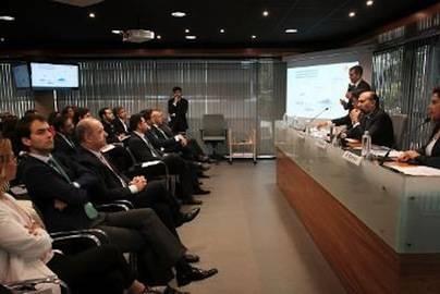 Canarias liga la llegada de inversiones a la creación de empleos cualificados