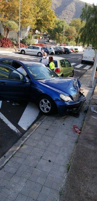 Fallece un conductor en una colisión en Santa Cruz de Tenerife