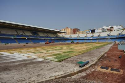Nuevo césped para el Estadio Heliodoro Rodríguez López