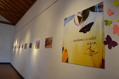 La sala La Ermita de San Antonio expone una retrospectiva de los 40 años del colegio de Tías