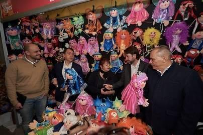 Abren la feria de artesanía en Reyes de Santa Cruz y La Laguna