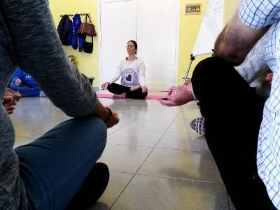 El Hospital de La Candelaria ofrece yoga terapéutico