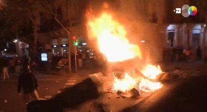 Cataluña afronta un paro político tras otra noche de incidentes