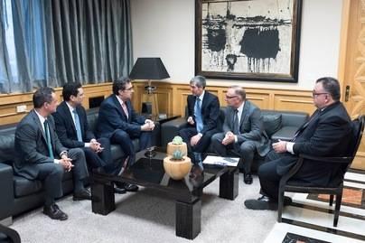 La Fundación Amancio Ortega dona 17 millones a Canarias para el tratamiento oncológico