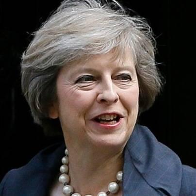 Theresa May en su primera visita a España