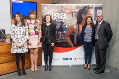Coca-Cola presenta en canarias su proyecto 'Gira Mujeres'