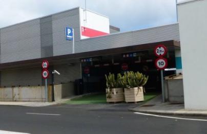 Los aeropuertos de Canarias entre los más caros de España para aparcar