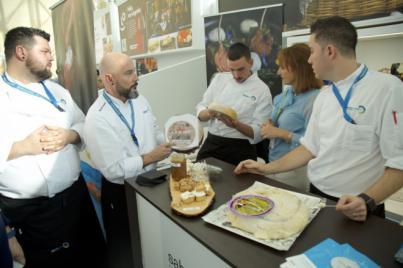 Los quesos y el langostino real la mejor carta de presentación de Gran Canaria