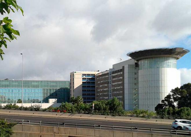 Canarias suma 5 nuevos fallecidos, 74 casos nuevos y da de alta a 21 personas