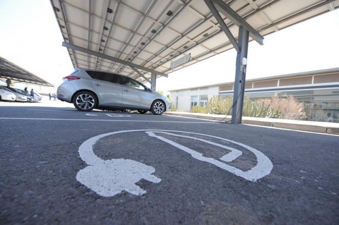 El ITER pone a disposición 19 puntos gratuitos de recarga para vehículos eléctricos