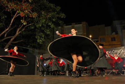 Granadilla se convierte en punto de encuentro del folclore más internacional