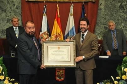El Cabildo entrega el título de Hijo Adoptivo de la Isla a Jaime Azpilicueta