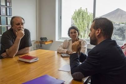 Márquez se compromete con la Fundación César Manrique en la protección del territorio