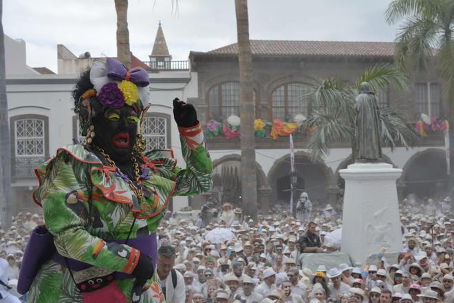 Insignia de Oro de la ciudad a Víctor Díaz, 'Sosó', gran animador del Carnaval