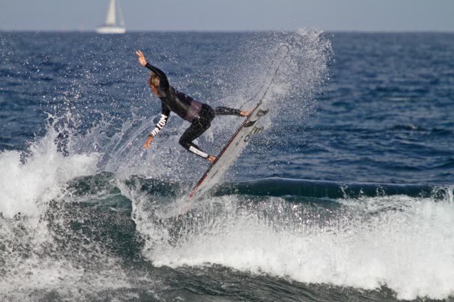 La falta de olas obliga a aplazar el arranque de la competición en la 'Izquierda de Las Américas'.