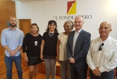 El alcalde de Tías se reúne con la comunidad británica de Lanzarote