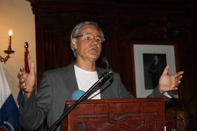 Luis Morera pronuncia el pregón de las Fiestas de la Cruz