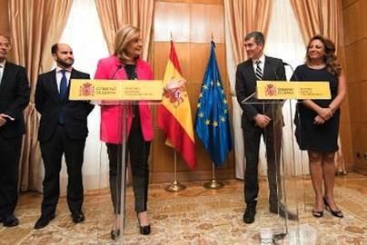 Clavijo y Báñez firman un convenio para reforzar la lucha contra la economía sumergida