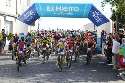 Medio millar de ciclistas participan este sábado en la Magma Bike